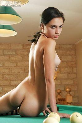 escort girl Le Moule