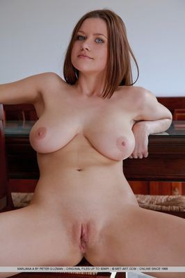 escort girl Monica
